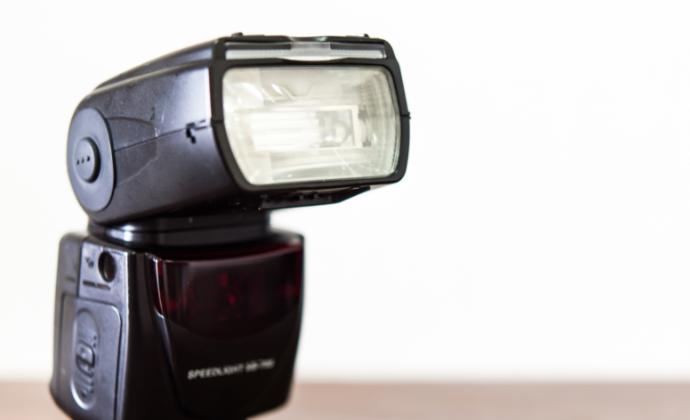 カメラのストロボが高額買取されやすい理由