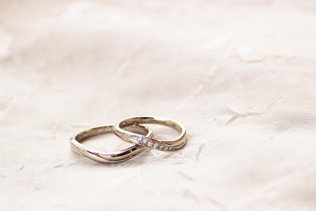 他店で断られた小粒のメレダイヤも買取査定ができます!